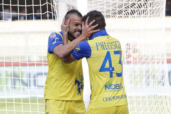 Meggiorini festeggia il primo gol con il Chievo